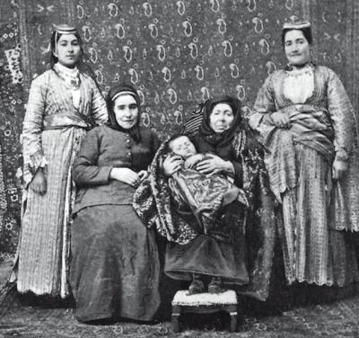 5 generaciones en Armenia