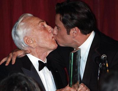 Kirk Douglas y John Travolta
