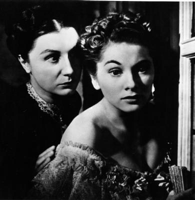 Escena entre Lady Cordelia (Adela) y Lady Marjorie (Martirio)