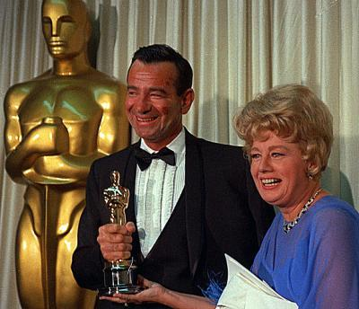 Walter Matthau y Shelley Winters